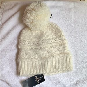NWT Hollister knitted hat